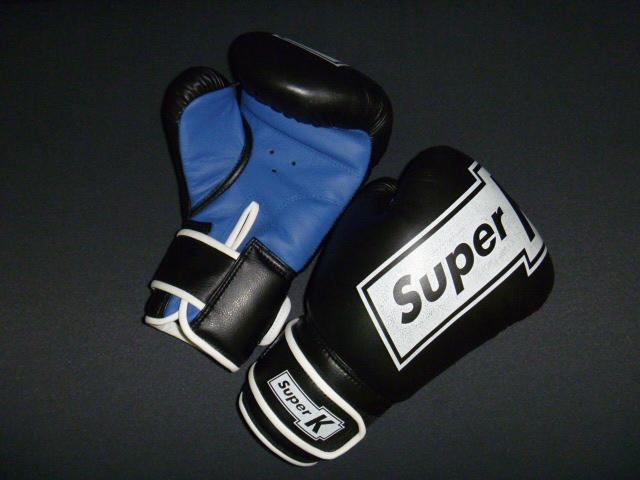 Боксерские перчатки 10 унц.