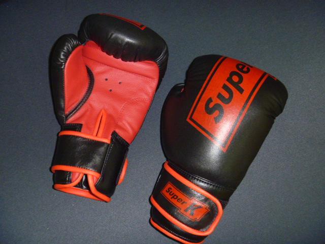 Боксерские перчатки 8 унц.
